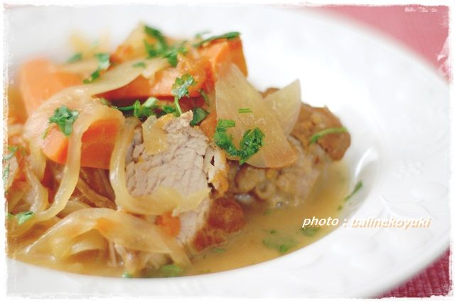 豚ヒレ肉のトマト白ワイン煮込み