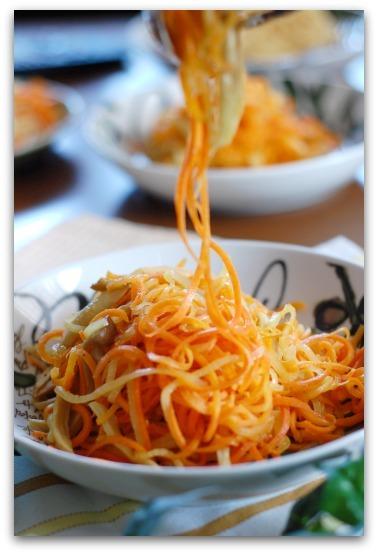 楽しいキッチン-人参と玉ねぎのペペロンチーノ
