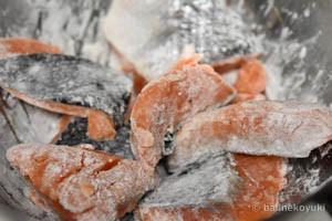 鮭と白菜のさっぱり炒め蒸し工程1