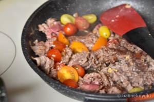 牛肉とミニトマトのごち醤油炒め工程4