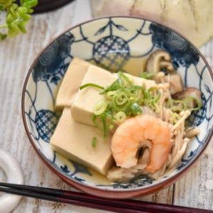 高野豆腐とエビの栄養満点ヘルシー煮物|だし醤油で簡単レシピ