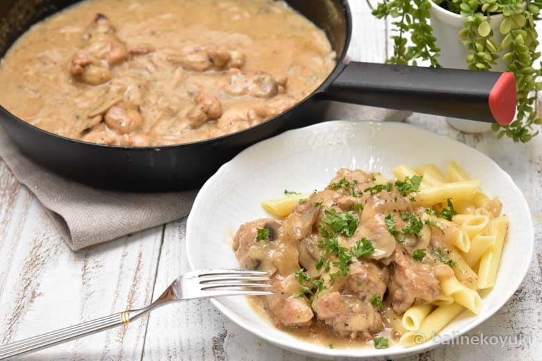 鶏手羽元とマッシュルームのクリーム煮