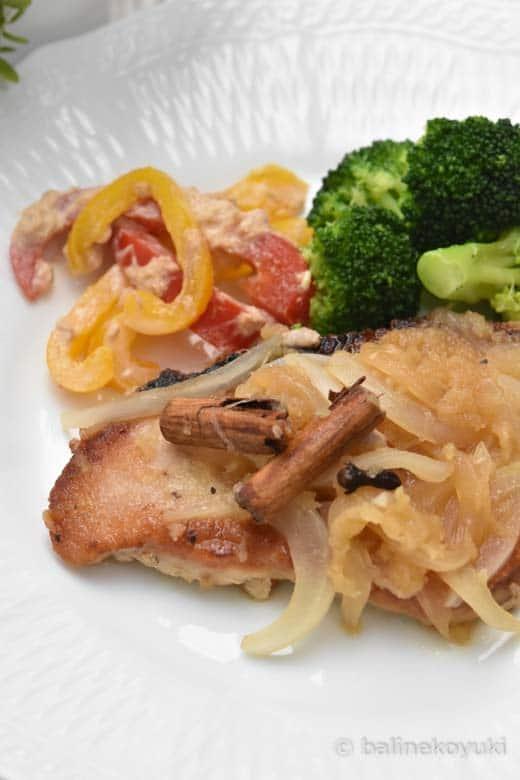 豚ロース肉のりんごとはちみつのシナモンソテー煮
